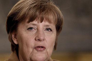 Меркель просит Путина не срывать Женевские соглашения