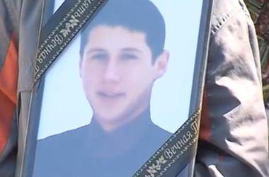 """Мать погибшего в Крыму 16-летнего парня: """"Моего сына убили из-за украинского языка"""""""
