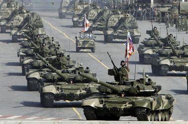 Россия сгоняет в Крым военную технику нового поколения. На парад