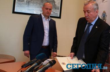 Мэр Донецка: Провести референдум 11 мая невозможно, даже если у ДНР есть деньги