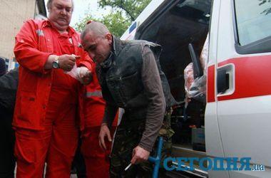 В Донецке спасают избитых активистов мирного митинга, один из них в тяжелом состоянии