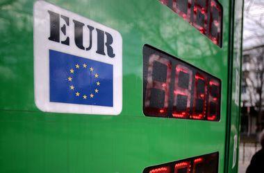 Курс валют на 29 апреля: Доллар и евро дорожают
