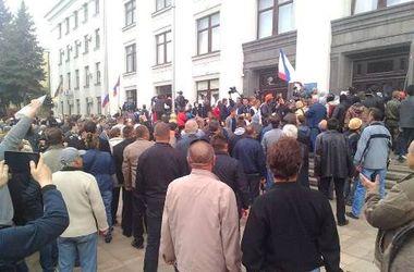 В Луганске взяли штурмом ОГА