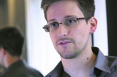 Беглец Сноуден пытается заключить сделку с властями США