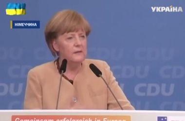 Меркель призвала Путина не лезть в Украину