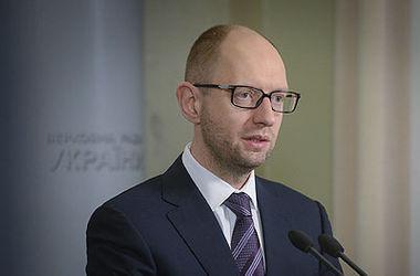 Яценюк надеется, что все решится мирно