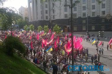 Под Кабмином собрались социалисты, а в Мариинском парке – милиционеры в бронежилетах