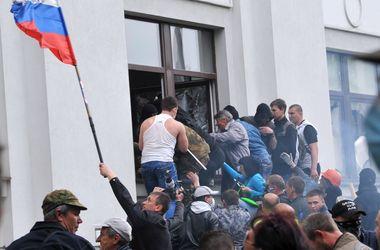 В Луганске после переговоров освободили прокуратуру