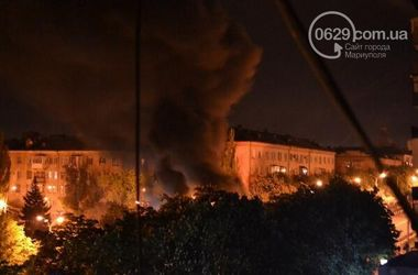 В Мариуполе начались беспорядки, центр в огне