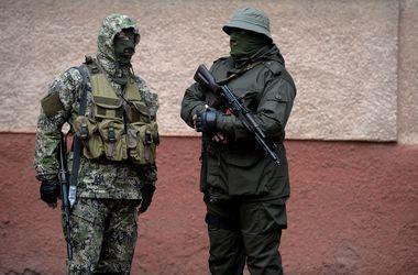 Во время штурма воинской части в Луганске сепаратисты ранили двух солдат-срочников