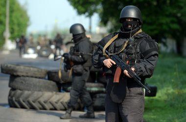 В Красном Луче неизвестные в масках ограбили ювелирный магазин, в Луганске -таксиста