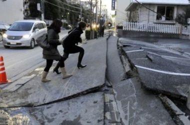 Сильнейшее за три года землетрясение в Японии травмировало 17 человек