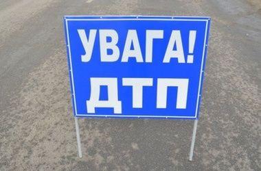В ДТП в Днепропетровской области погибла женщина и травмировались дети