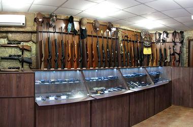 В центре Донецка ограбили магазин оружия