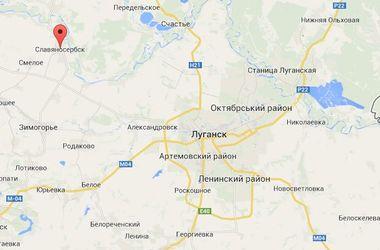 Штурм милиции в Луганской области: на въезде в поселок стоят военные машины
