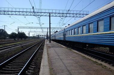 """""""Укрзализныця"""" пустила поезда в обход Славянска"""