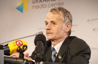 Джемилев: крымские татары, встречавшие меня 3 мая, попали под массовую проверку