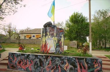 В Борисполе памятник Ленину превратили в памятник Небесной сотне