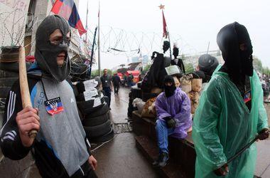 В Славянске сепаратисты убили 4 бойцов МВД, 30 ранены
