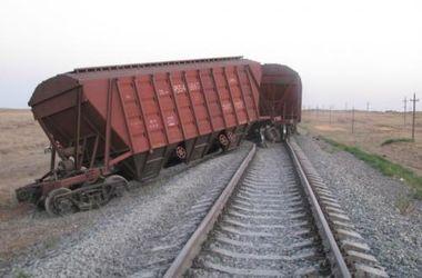 В Славянске террористы пытались переоборудовать вагоны для угля под бронепоезд, - Минобороны