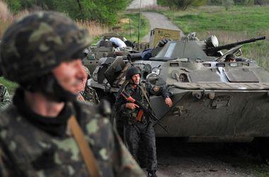 Сепаратисты обстреляли микроавтобус с силовиками, есть погибший - МВД