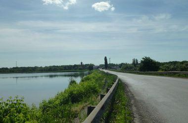 Террористы угрожают взорвать плотину в Донецкой области