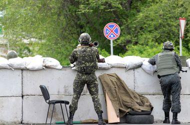 На Донбассе  сепаратисты отобрали у пограничников оружие