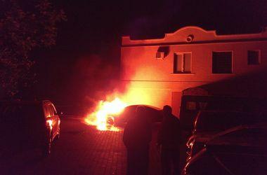 В Одессе поджигают блокпосты, отделения банков и авто активистов