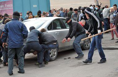 В Луганске автоматчики угнали еще 7 автомобилей