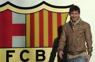 Неймар заключил контракт с «Барселоной» в 2013 году.