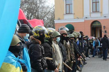 """Одесские Евромайдан и """"Правый сектор"""" отменили все акции на 8-12 мая"""