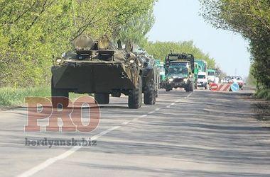 В Бердянск зашла военная техника