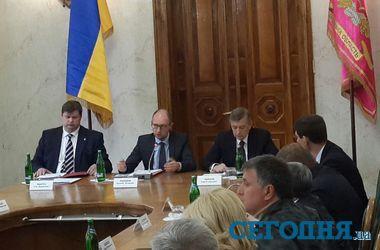 Заседание Кабмина в Харькове: министры обсуждали покушение на Кернеса и работу заводов