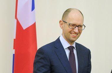 Яценюк 13 мая обсудит финансовую помощь ЕС для Украины
