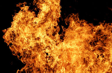 В центре Одессы загорелся жилой дом