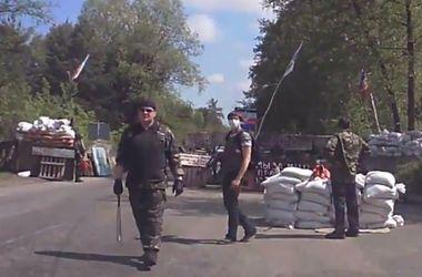 На дорогах возле Славянска и Краматорска сепаратисты установили блок-посты