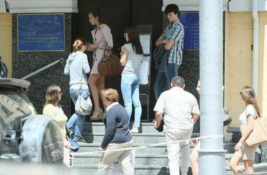 Киевляне массово оформляют паспорта для выезда за границу