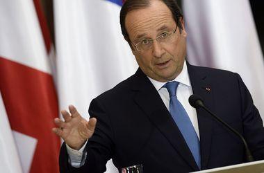 Олланд: ЕС ужесточит санкции против России в случае срыва выборов в Украине
