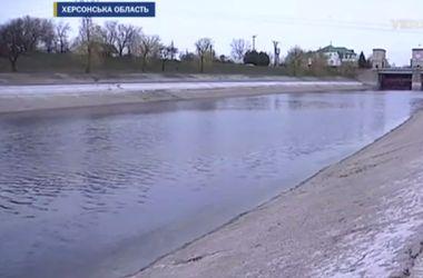 Украина прекратила поставлять воду в оккупированный Крым