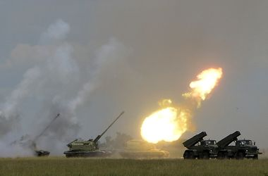 <p>Россия проведет военные учения в день выборов в Украине. Фото: AFP</p>
