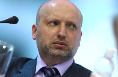 Турчинов уверен, что Украина не останется один на один с Россией