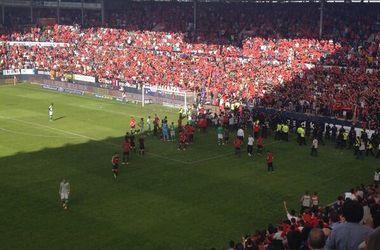 Во время матча в Испании обрушилось ограждение трибуны
