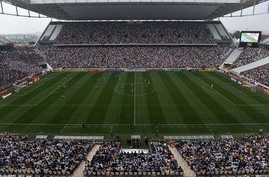 На недостроенном стадионе ЧМ-2014 прошел тестовый матч
