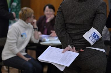 На президентских  выборах в Украине на каждого кандидата набралось более 100 международных наблюдателей
