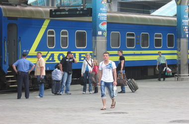 Поезда ДонЖД курсируют в штатном режиме, но по скорректированному графику