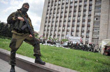 В центре Донецка боевики обстреляли вертолет