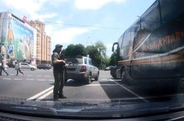 """В Донецке террористы обстреляли автобус """"Шахтера"""""""