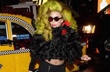 Жених Леди Гага рассказал о неприличном хобби
