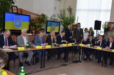 Участники круглого стола призвали украинцев взять судьбу в собственные руки