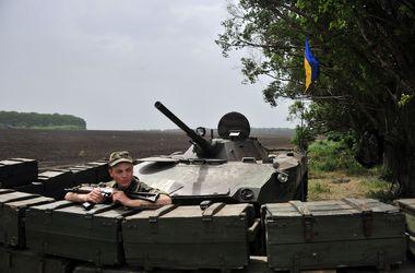 В Луганской области пограничники отбили несколько атак террористов. Есть раненые
